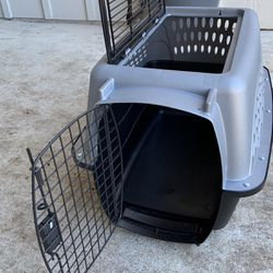 Dog Crate, Carrier, 2 Opening, Top Open, Puppy, Cat, Car Box for Sale in Katy,  TX