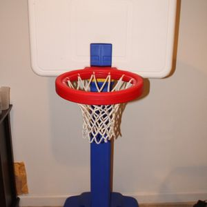 little tikes basketball hoop 4-6 feet for Sale in Germantown, MD
