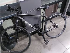 Specialized crosstrail hybrid 700 cc wheels large frame for Sale in San Diego, CA
