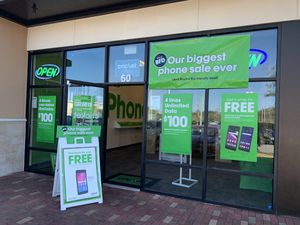 iPhone specials and 12 free phones for Sale in Gainesville, FL