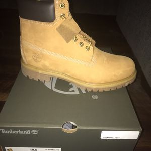 Men Timberlands /Size 10 1/2 for Sale in Chicago, IL