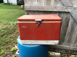 Old Coleman cooler for Sale in Clinton, CT
