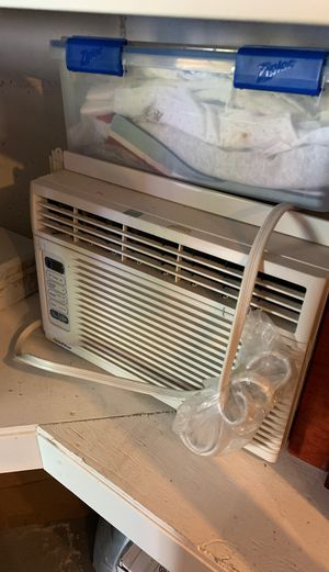 Window Air Conditioner (AC) unit. for Sale in Gig Harbor, WA