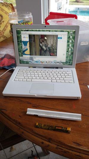 Ok here we have the cleanest most mint 2008 mac with dvd brand new battery crystal clear lcd super fast for Sale in Boca Raton, FL