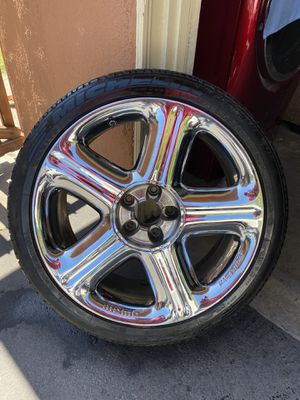 20 Momo rims and tires for Sale in Fontana, CA