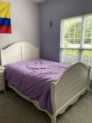 Girl's Bedroom Set for Sale in High Point, NC