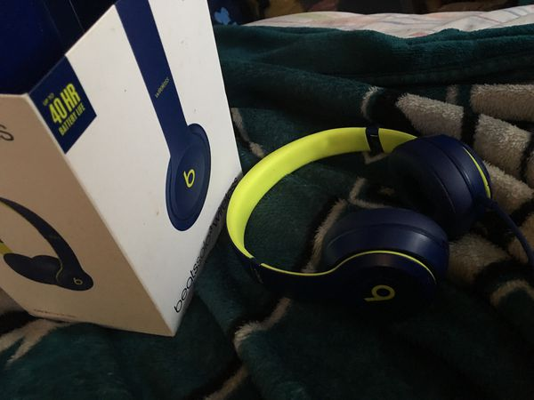 Beats Solo 3 wireless up To 40hrs Battery Life