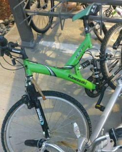 Kawasaki mountain bicycle for Sale in Lynnwood,  WA