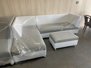 L shape sectional couch available for sale brand new for Sale in Miami, FL