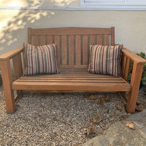 Lawn bench and pillows for Sale in Los Angeles, CA