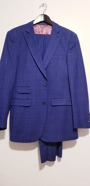 Mens Suit size 38R for Sale in Queens, NY