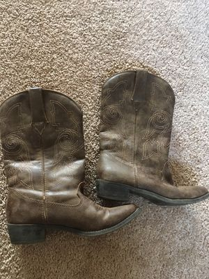Girl coy boy boots $10 per pair for Sale in Oakdale, MN