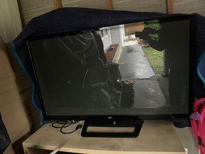 Vendo televisión LG plasma 50 inch perfectas condiciones $100 dls o mejor oferta for Sale in Lake Forest Park, WA