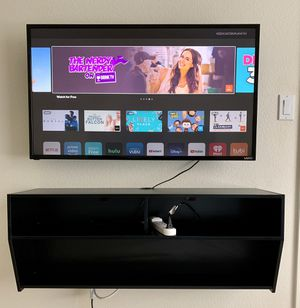 TV & STAND & MOUNT for Sale in Ceres, CA