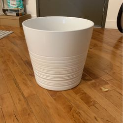 IKEA Large White Plant Pot, Ceramic for Sale in Los Angeles,  CA