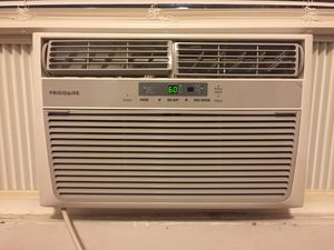 AC window unit Frigidaire for Sale in Baltimore, MD