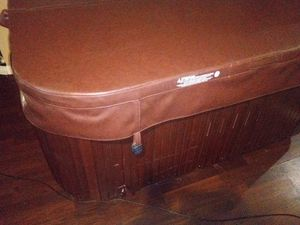 Jacuzzi spa 2 person hot tub $1500 obo for Sale in Los Angeles, CA