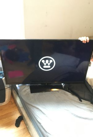 Energy star flat screen tv // 52 inches for Sale in Westport, MA