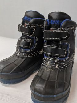 Toddler Snow Boots for Sale in Beaverton,  OR