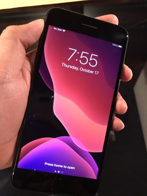 iPhone 7 Plus 128GB UNLOCKED! for Sale in Chicago, IL