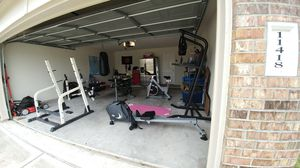 Weight lifting equipment for Sale in Houston, TX