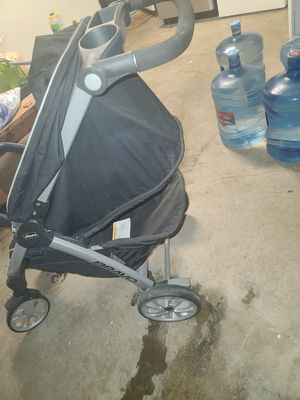Chicco baby stroller used in perfect conditions . for Sale in Riverside, CA