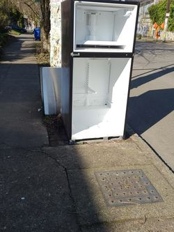 Free Scrap Refrigerator for Sale in Portland,  OR