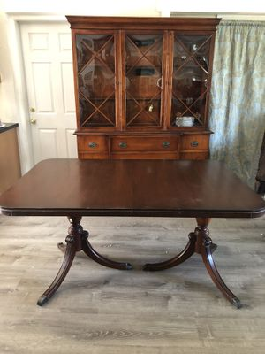 Dining room set for Sale in Dania Beach, FL