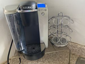 Keurig with holder for Sale in Los Angeles, CA