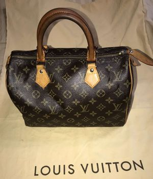 LOUIS VUITTION SPEED 30..AUTHENTIC BAG..HAVE VALUE DATE CODE..GOOD CONDITION..PRICE FIRM TO SALE $300 for Sale in Arlington, TX