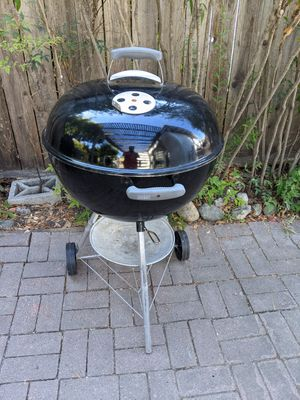 """Weber 22"""" Kettle BBQ Grill for Sale in Mountain View, CA"""