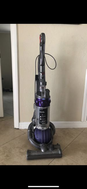 Dyson ball vacuum for Sale in Deerfield Beach, FL