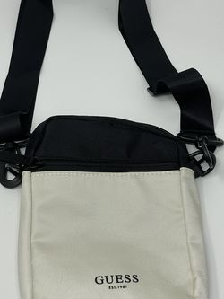 Guess Cross body/shoulder Bag for Sale in San Diego,  CA