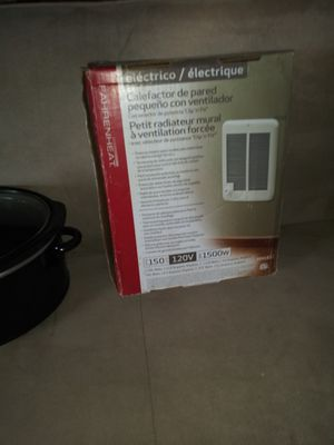 Wall heater.crockpot for Sale in Bettendorf, IA