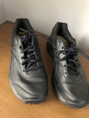 Reebok shoes size 9 for Sale in Gambrills, MD