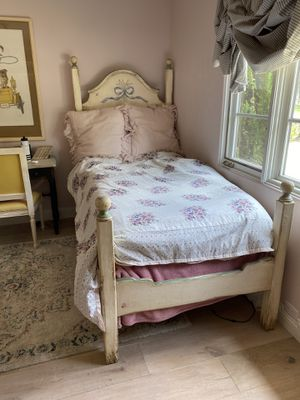 Antique French Twin Bed Set Hand Painted for Sale in Solana Beach, CA
