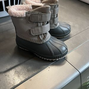 Old Navy Toddler Snow Boots for Sale in Stanton, CA