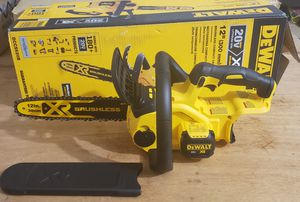 New Dewalt 20V XR chainsaw for Sale in Columbus, OH