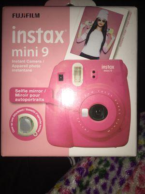 polaroid camera and canon for Sale in Lockport, NY