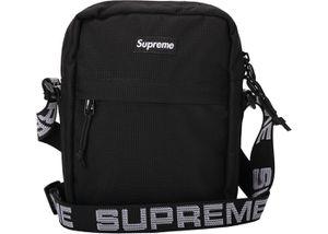 Supreme Shoulder Bag for Sale in Big Bear, CA