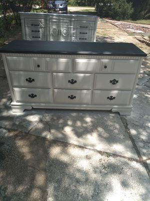 Cute farm house dresser for Sale in Union, MO