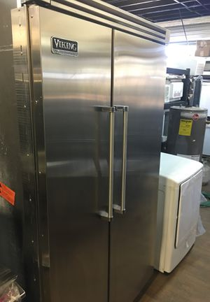 """Viking Professional 48"""" Built In Fridge for Sale in San Diego, CA"""