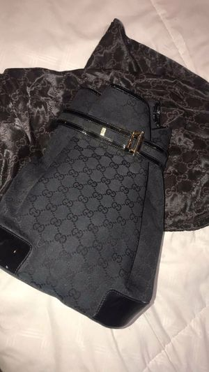 Gucci hang bag/pack bag for Sale in Dearborn, MI