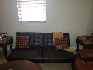LEATHER COUCH FUTON for Sale in Hialeah, FL