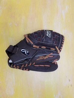 Rawlings baseball glove for Sale in Wesley Chapel, FL
