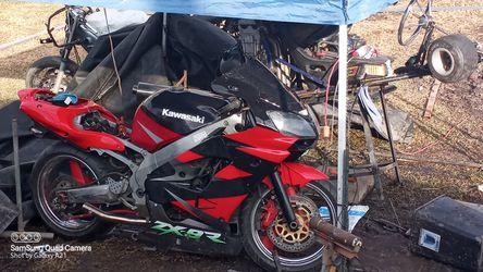 Kawasaki  Ninja Zx9r for Sale in San Leon, TX