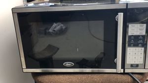 Oster 900w microwave. Works fine $20 Lake Los Angeles for Sale in Palmdale, CA