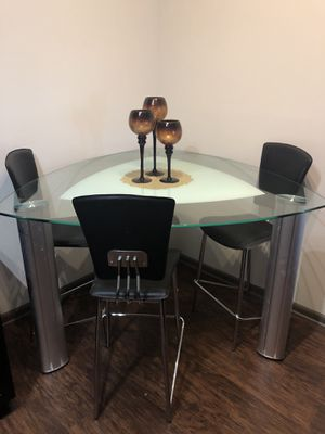 Glass triangle dining table set for Sale in San Antonio, TX