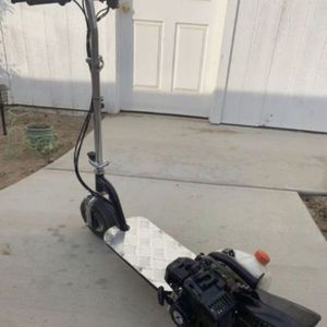 Zooma Gas scooter for Sale in Kerman, CA