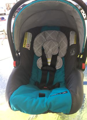Graco SnugRide 30 Click Connect Infant Car Seat w/ Front Adjust - Finch for Sale in Nashville, TN